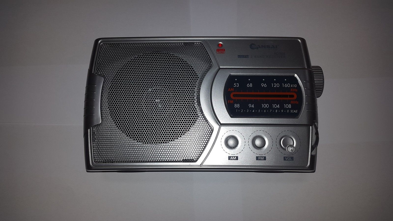 SANSAI RD-768 AM/FM PORTABLE RADIO WITH SPEAKER AND EARPHONE JAC